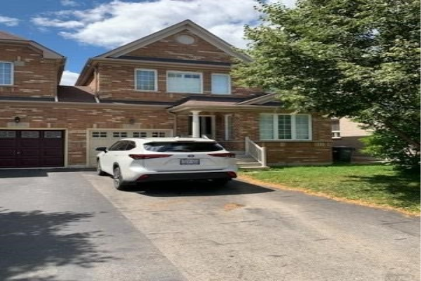 4876 Marble Arch Mews, Mississauga