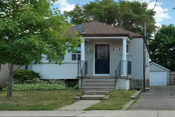 1021 Briar Hill Ave, Toronto