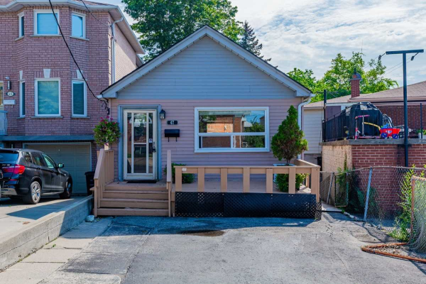 47 Harlton Cres, Toronto