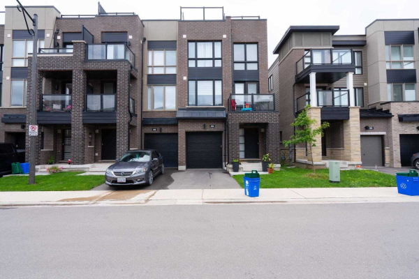 406 Athabasca Common St N, Oakville