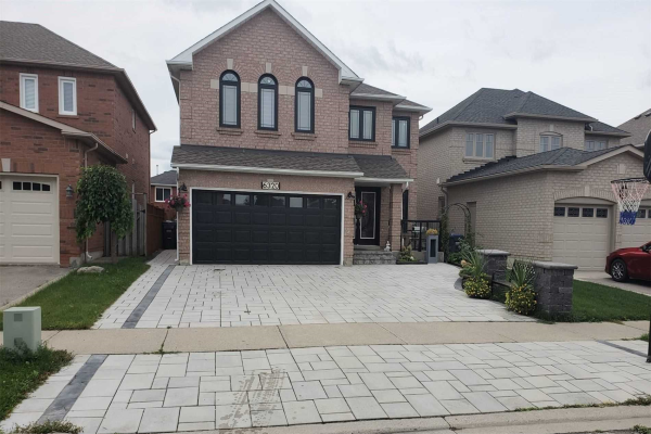 6320 Newcombe Dr, Mississauga