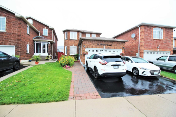 76 Thorntree Cres