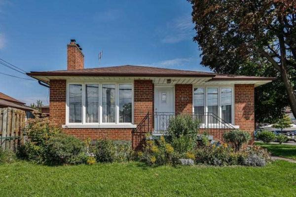 1013 Islington Ave, Toronto