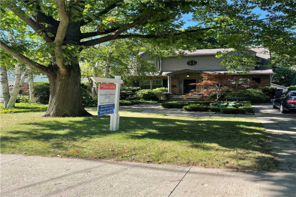 392 Smith Ave, Burlington