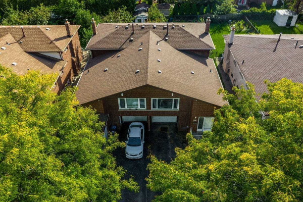 2424 Cashmere Ave, Mississauga