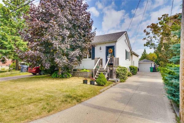 1375 Alexandra Ave, Mississauga