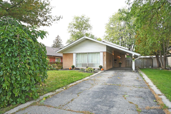 6 Cromarty Dr