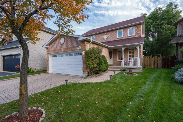 $999,000 • 3854 Periwinkle Cres