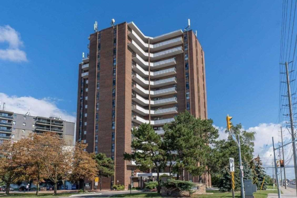 3025 Queen Frederica Dr, Mississauga