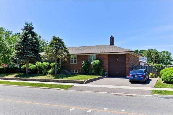 210 Culford Rd, Toronto