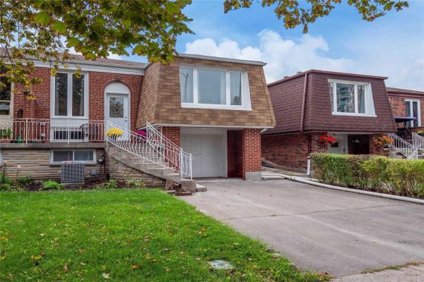 59 Longbourne Dr, Toronto