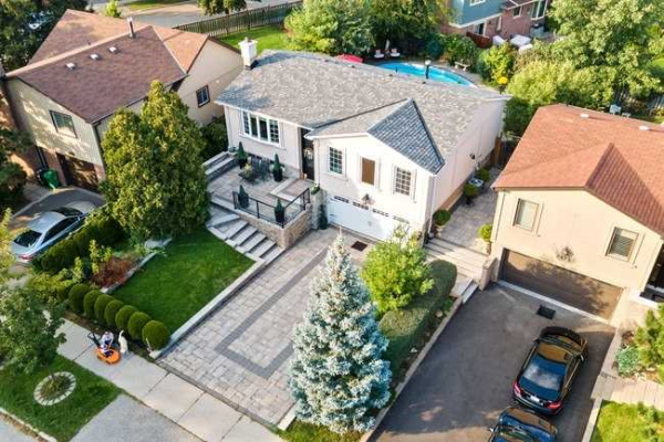 2939 Council Ring Rd, Mississauga
