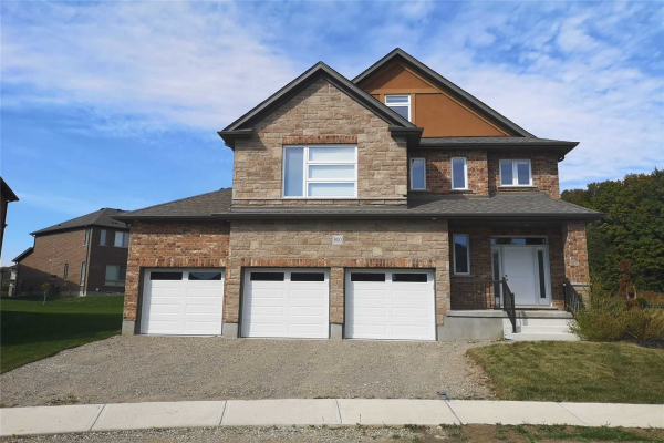 800 Snowberry Crt, Waterloo