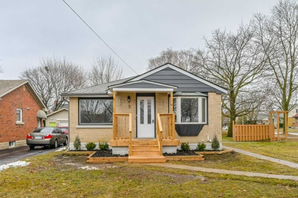 5 Bournemouth Ave, Kitchener