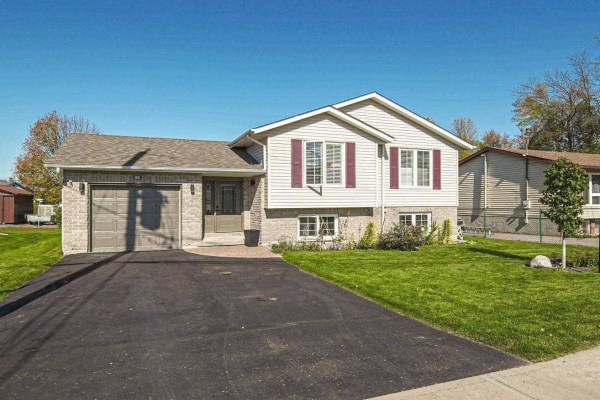68 Huffman Rd, Quinte West