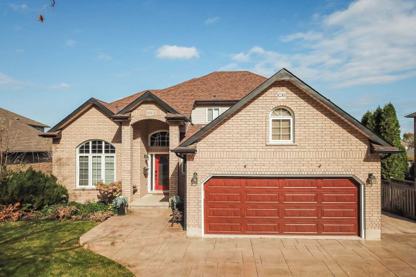 111 Dorchester Dr, Grimsby