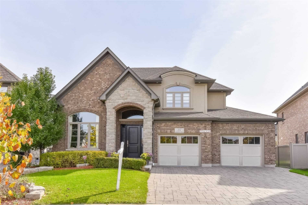 337 Deerfoot Tr, Waterloo
