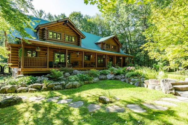 64 Golf Course Rd, Bracebridge