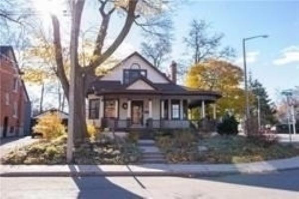 4 Rosedene Ave, Hamilton