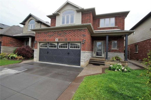48 Evergreens Dr, Grimsby
