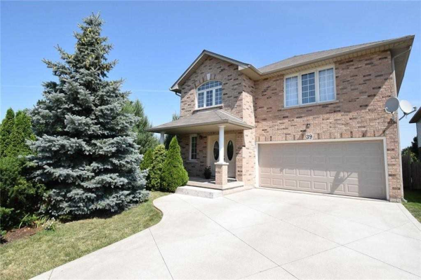 39 Red Haven Dr, Grimsby