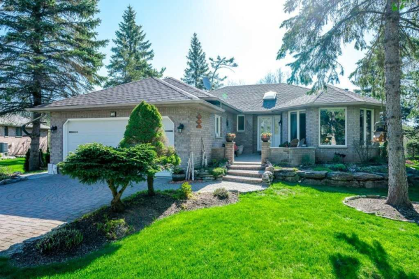 10 Governors Dr, Kawartha Lakes