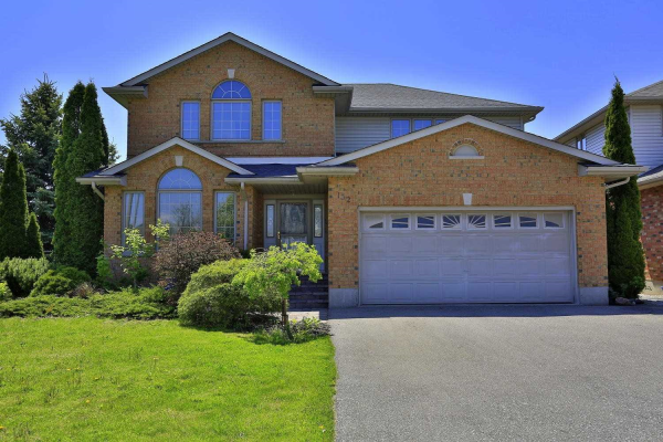132 Attwood Dr, Cambridge