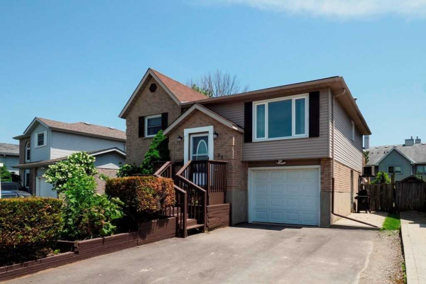 31 Ironstone Dr, Cambridge