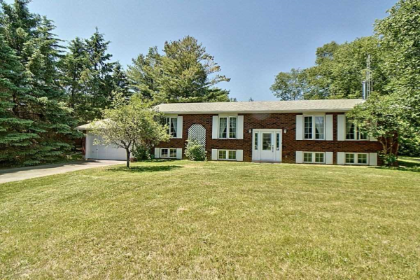 129 Pinewood Blvd, Kawartha Lakes