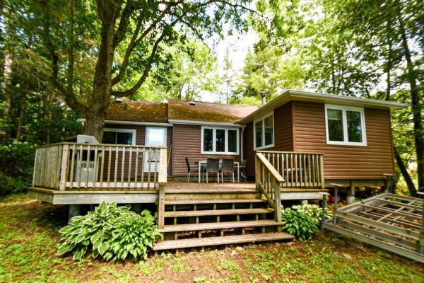 137 Mccrackin Ave, Kawartha Lakes