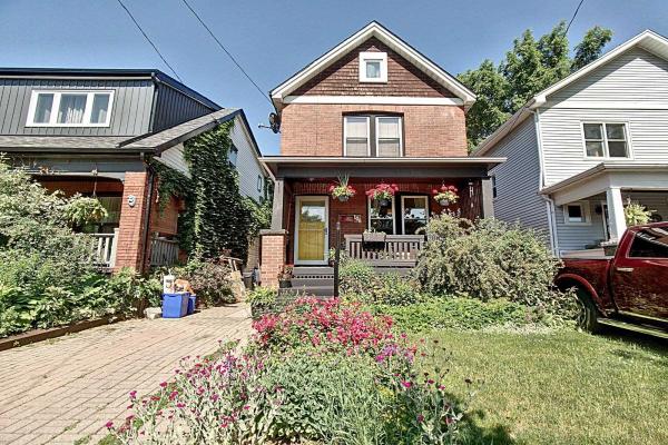 106 Graham Ave S, Hamilton