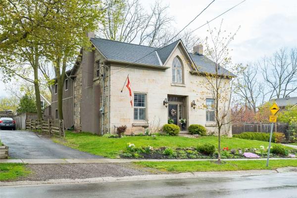 62 Mill St N, Hamilton