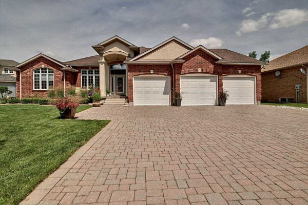 19 Maple Manor Crt, Kitchener