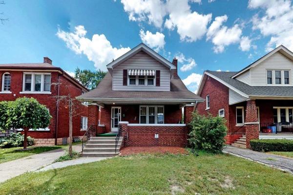 381 Partington Ave, Windsor