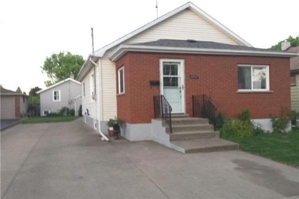 6090-92 Carlton Ave E, Niagara Falls
