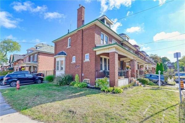 27 Rutherford Ave, Hamilton