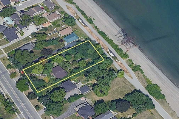271 Beach Blvd, Hamilton
