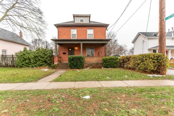 44 Roseview Ave, Cambridge