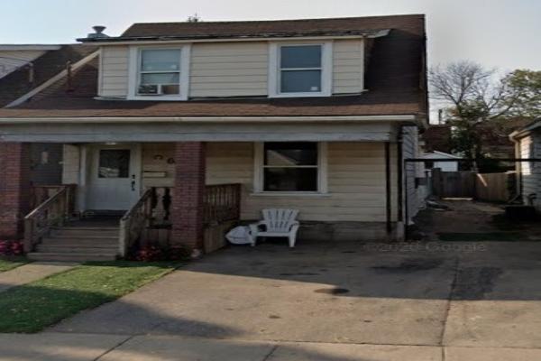 68 Harrison Ave, Hamilton