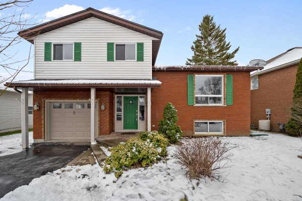 5 Harbourview Cres, Prince Edward County