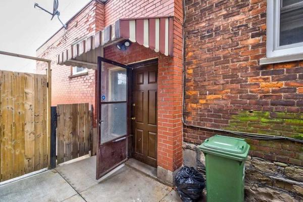 219 Wentworth St N, Hamilton