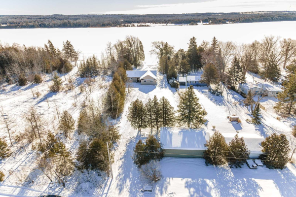 237 Mcguire Beach Rd, Kawartha Lakes
