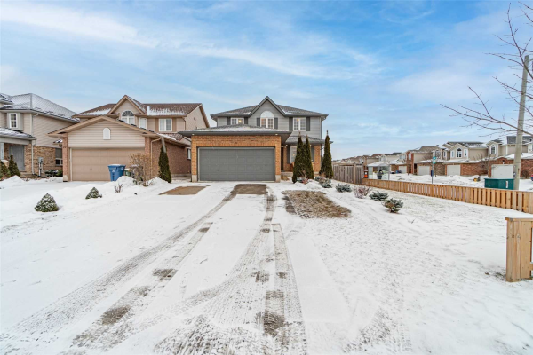 24 Clairfields Dr W, Guelph