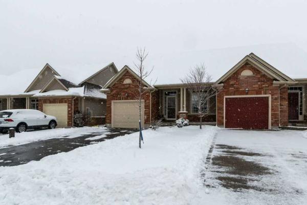 $614,900 • 4324 Lindsey Cres, Lincoln, Niagara <br/> RE/MAX ESCARPMENT REALTY INC., BROKERAGE