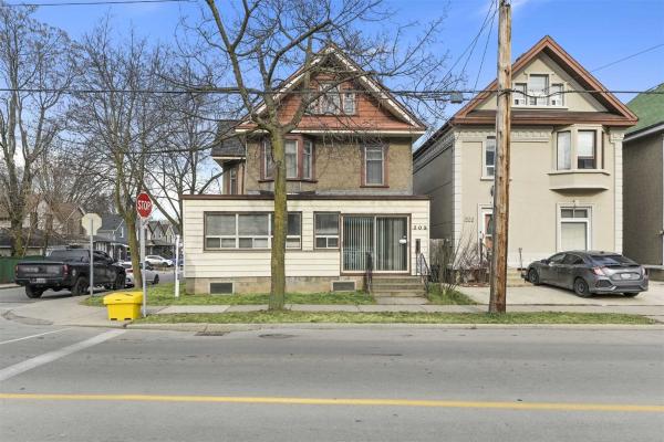 307 Cumberland Ave, Hamilton