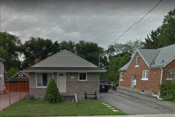 131 Bridgeport Rd E, Waterloo