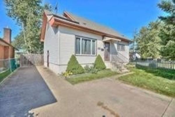 6491 Montrose Rd, Niagara Falls