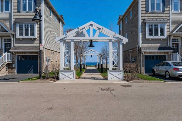 337 Beach Blvd, Hamilton