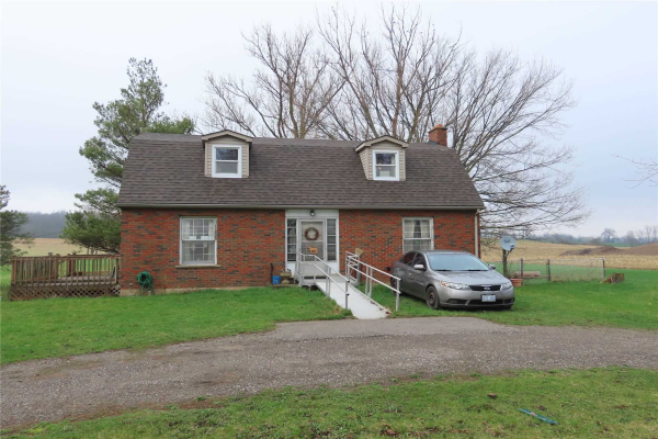 579 Governors Road East Rd E, Brant