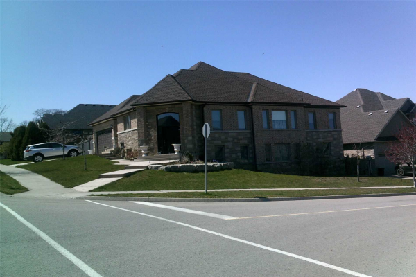 30 Red Haven Dr, Niagara-on-the-Lake